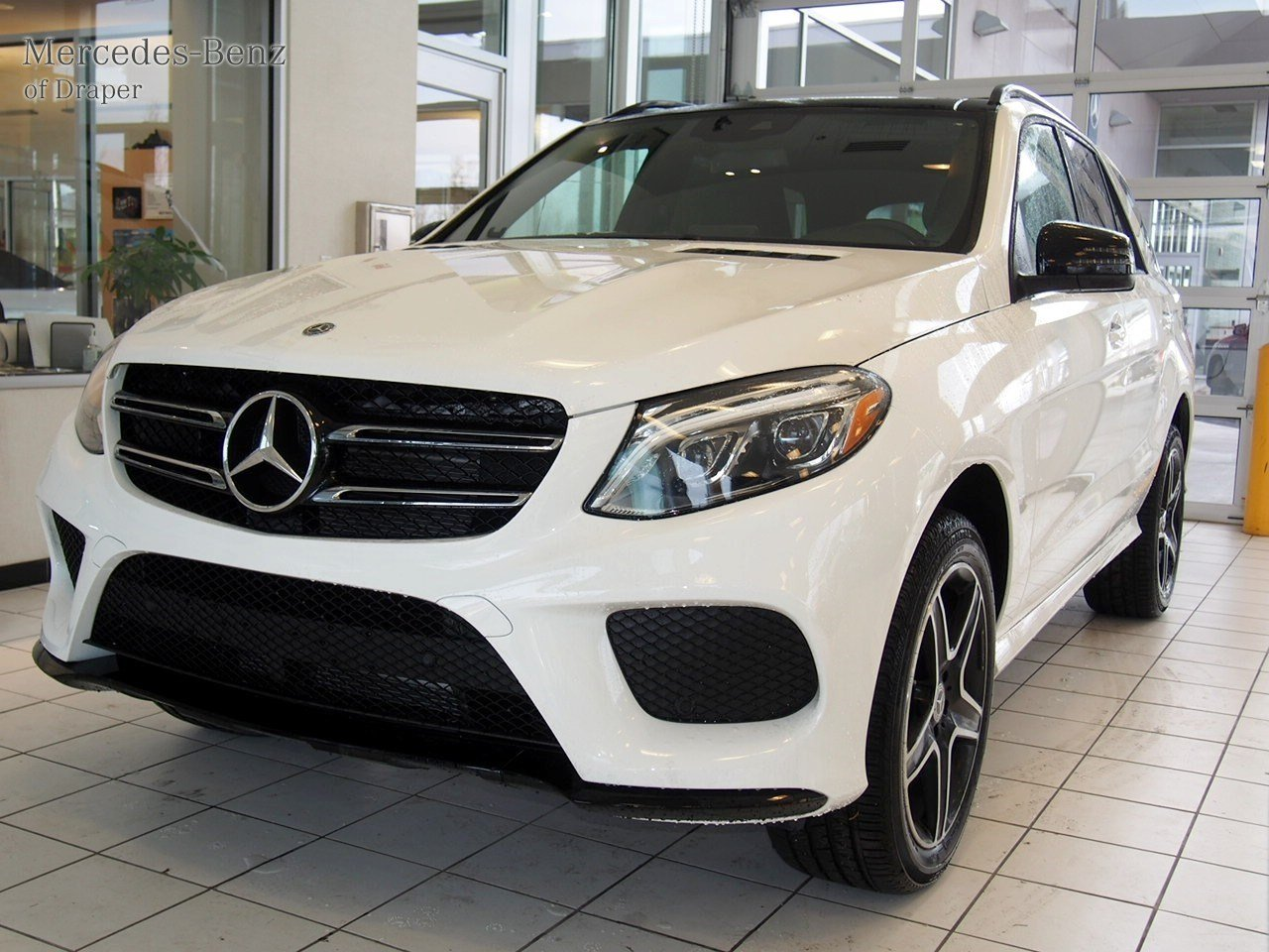 quality view vehicles vehicle width status h height x err gle inventory paint resp sa brand suv iris w mbusa pov benz transparent bkgnd mb client class model y mercedes