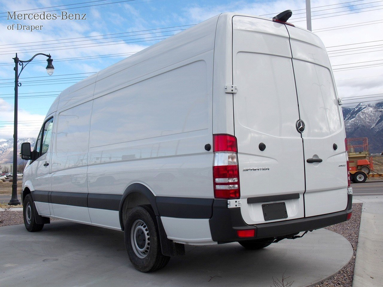New 2017 mercedes benz sprinter cargo vans cargo van in for 2017 mercedes benz sprinter cargo van