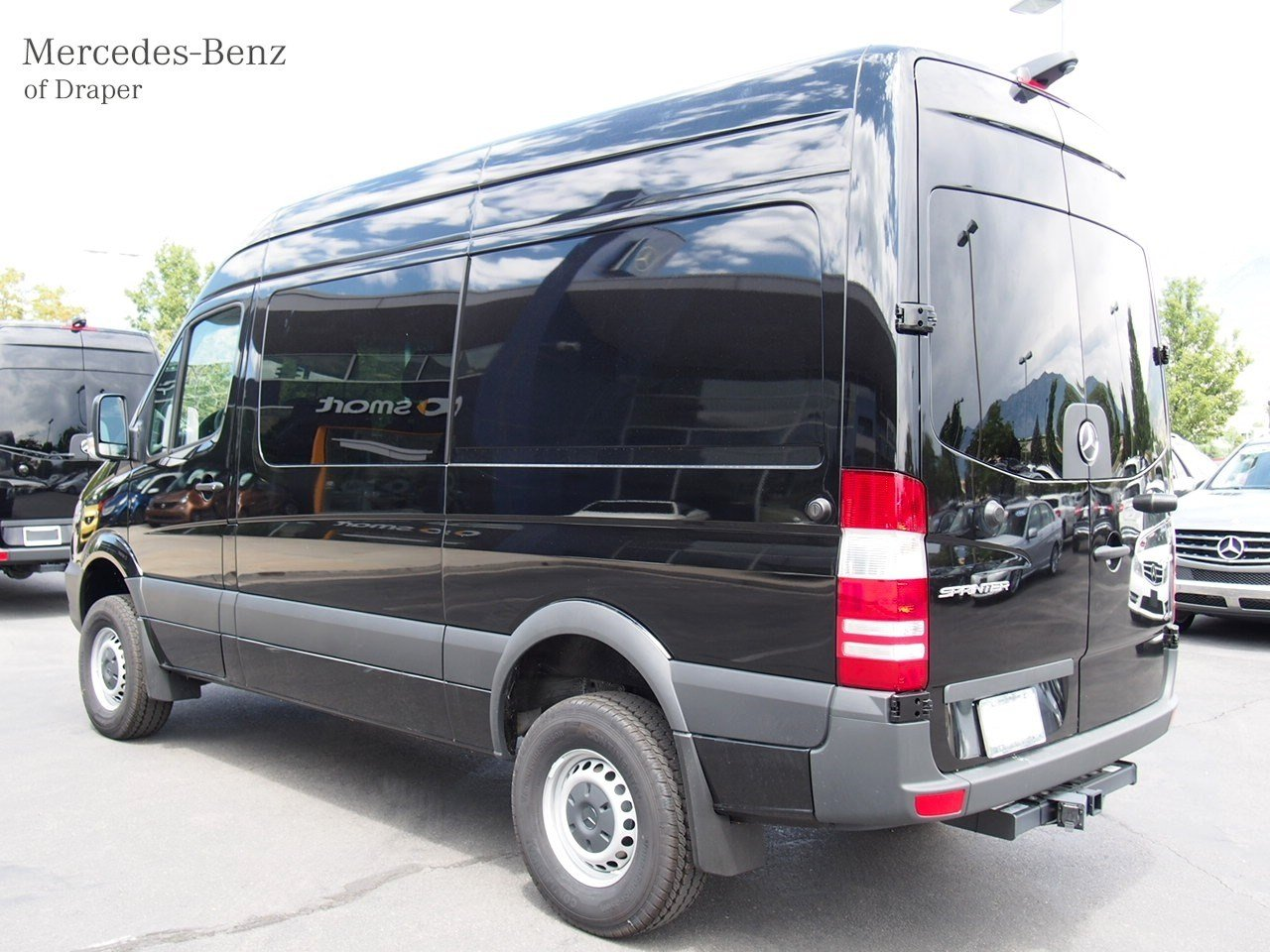 new 2017 mercedes benz sprinter crew vans crew van in. Black Bedroom Furniture Sets. Home Design Ideas